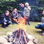 Grzybobranie piękno natury grzyb lubimy zbierać się w krębu wokół ogniska i celbrowć dobry czas